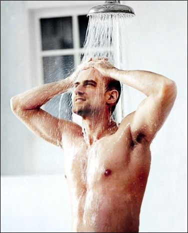 Christopher Meloni. Old enough to be my dad, but so hott.