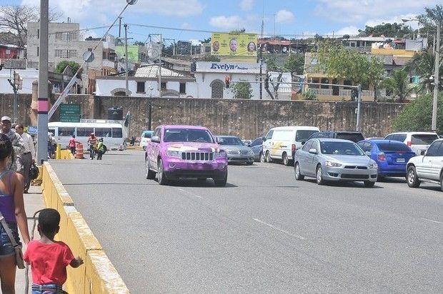 Ministro De Obras Públicas Admite El Deterioro Del Puente Flotante