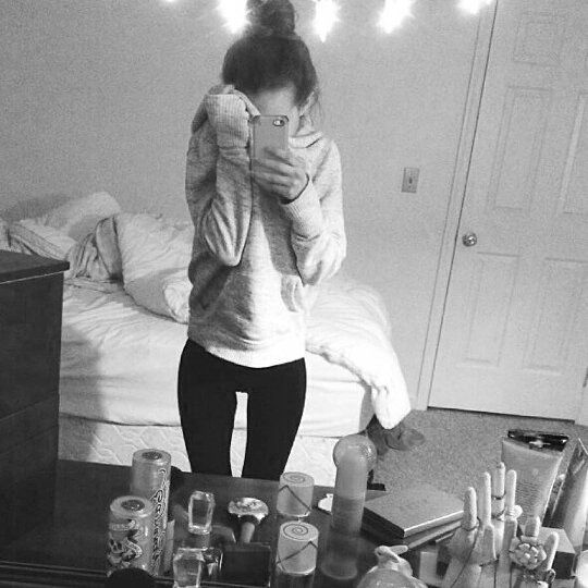 """186 Likes, 5 Comments - not pro-ana (@thinspo__thoughts) on Instagram: """"body goals **not me**"""""""