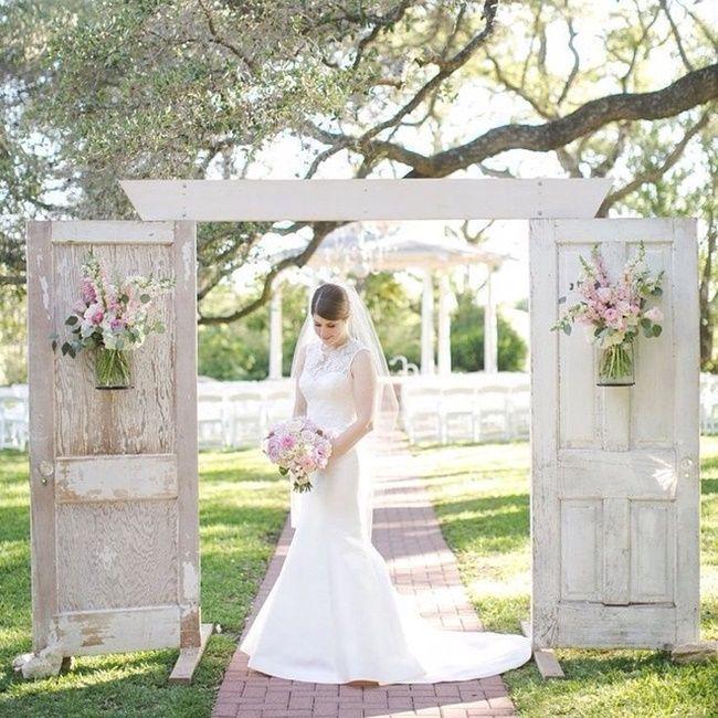 Portas para casamento ao ar livre