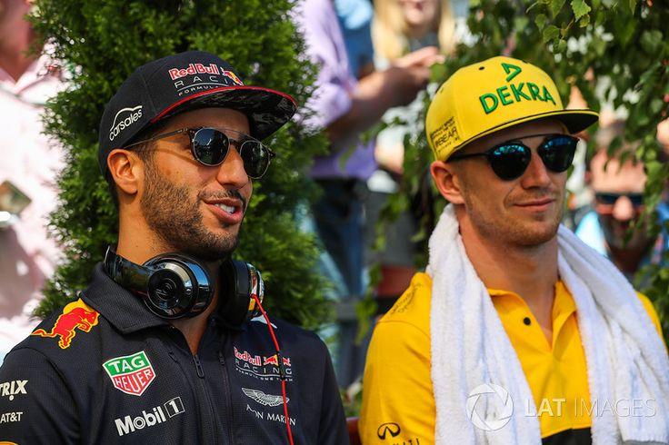 Daniel Ricciardo, Red Bull Racing and Nico Hulkenberg, Renault Sport F1 Team