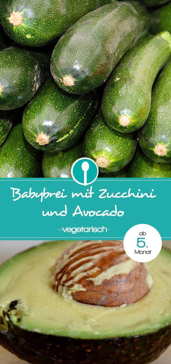 Babybrei mit Avocado und Zucchini. Das Rezept für den Mittagsbrei ist für Babys ab dem 5. Monat, also ab Beikostbeginn geeignet.