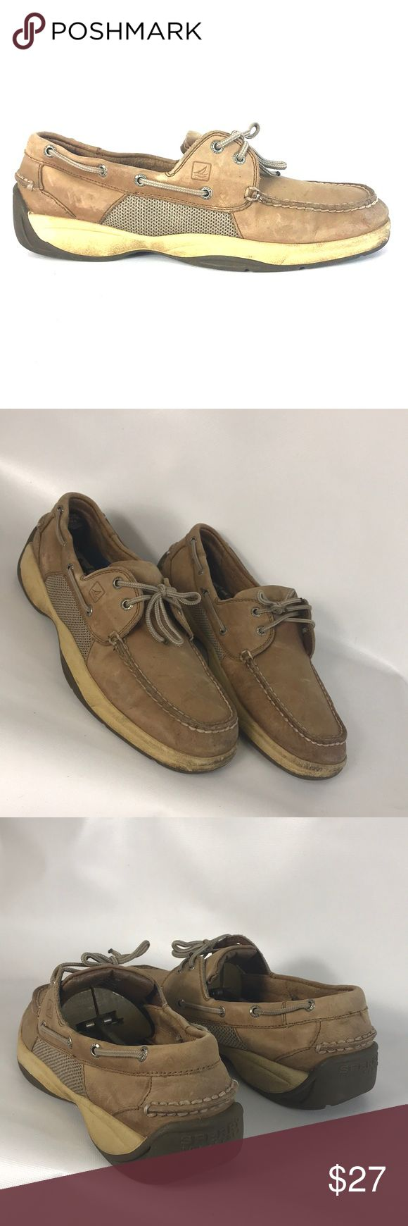 🎄SALE Sperry men size 11.5 M Condition 8/10, normal amount of scuffs around both shoes from normal wear, few stAins, other than that still in very good shape. If you have any questions or you want to request more pictures, don't hesitate to ask me. Thank you 🙏🏼 Sperry Top-Sider Shoes Boat Shoes