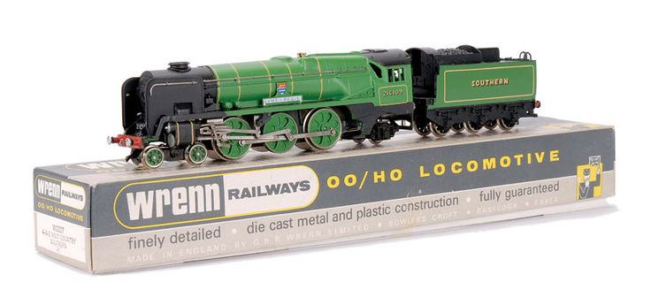 """4-6-2 Southern malachite green West Country Class Loco No.21C109, """"Lyme-Regis"""","""