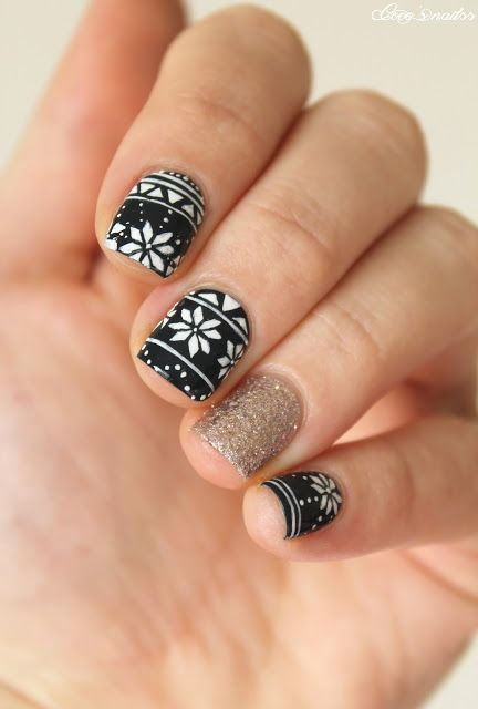 christmas nails #nailart #fairisle #holiday #christmas #jumper #cocosnailss
