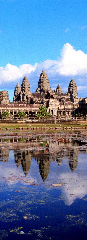 【H.I.S.】【Angkor Wat】世界遺産アンコールワット。地面を境に上下対象なこの景色が圧巻。 #his_blue