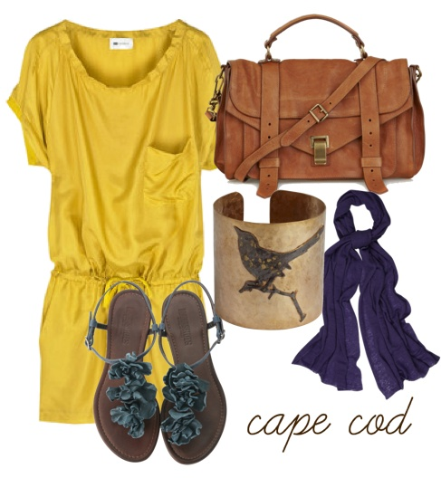 oh....speachless.....I just loove the bag,and yellow t-hirt,and blue scarf,too !