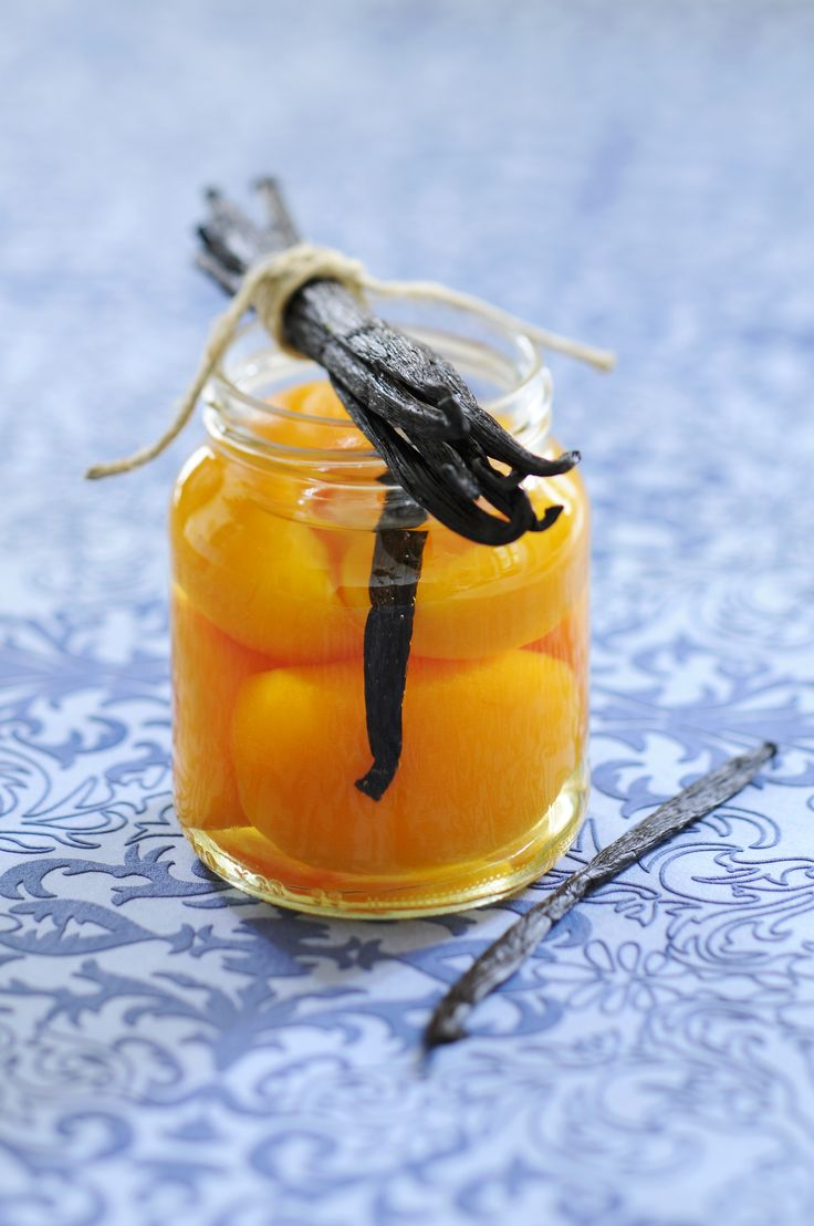 Le pesche sciroppate sono un'ottima conserva estiva; provate la ricetta suggerita da Agrodolce.