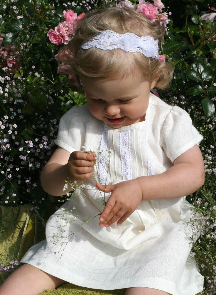 babyklänning i lin, https://www.graceofsweden.com/sv/festklaeder-foer-barn/festklaenningar