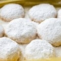 La autentica receta de los polvorones sabor naranja, ideales para compartir en el desayuno o en la cena.