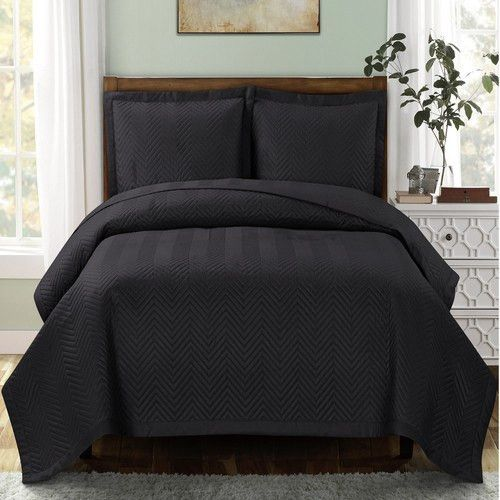 Black Quilted Bedspread Set