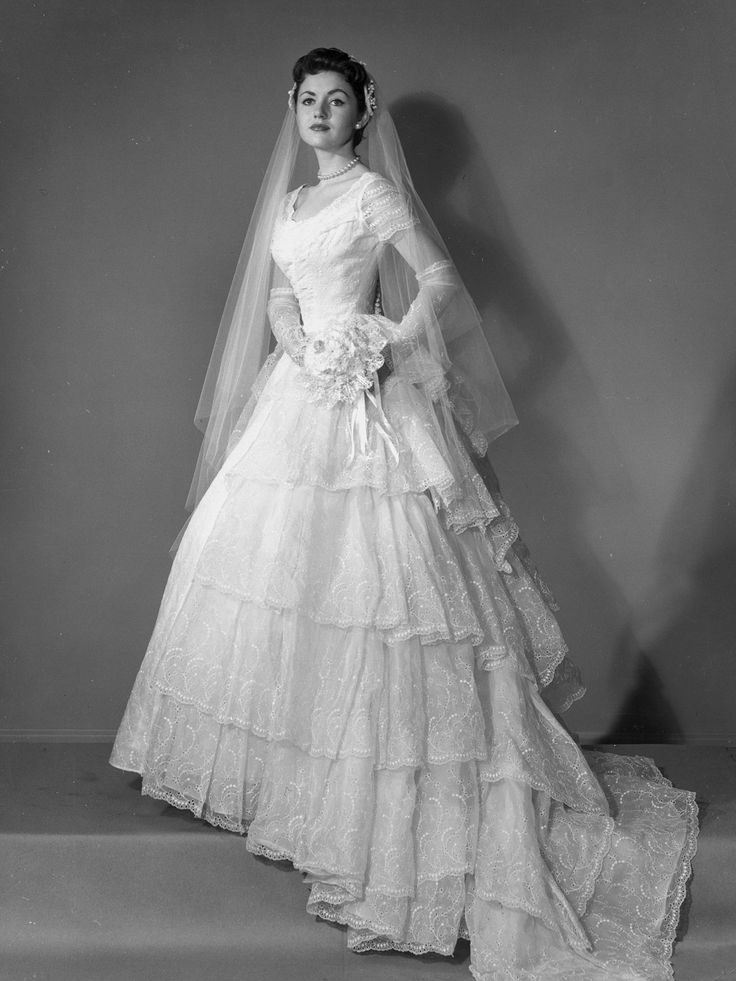 529 best Vintage Brides images on Pinterest | Wedding frocks ...
