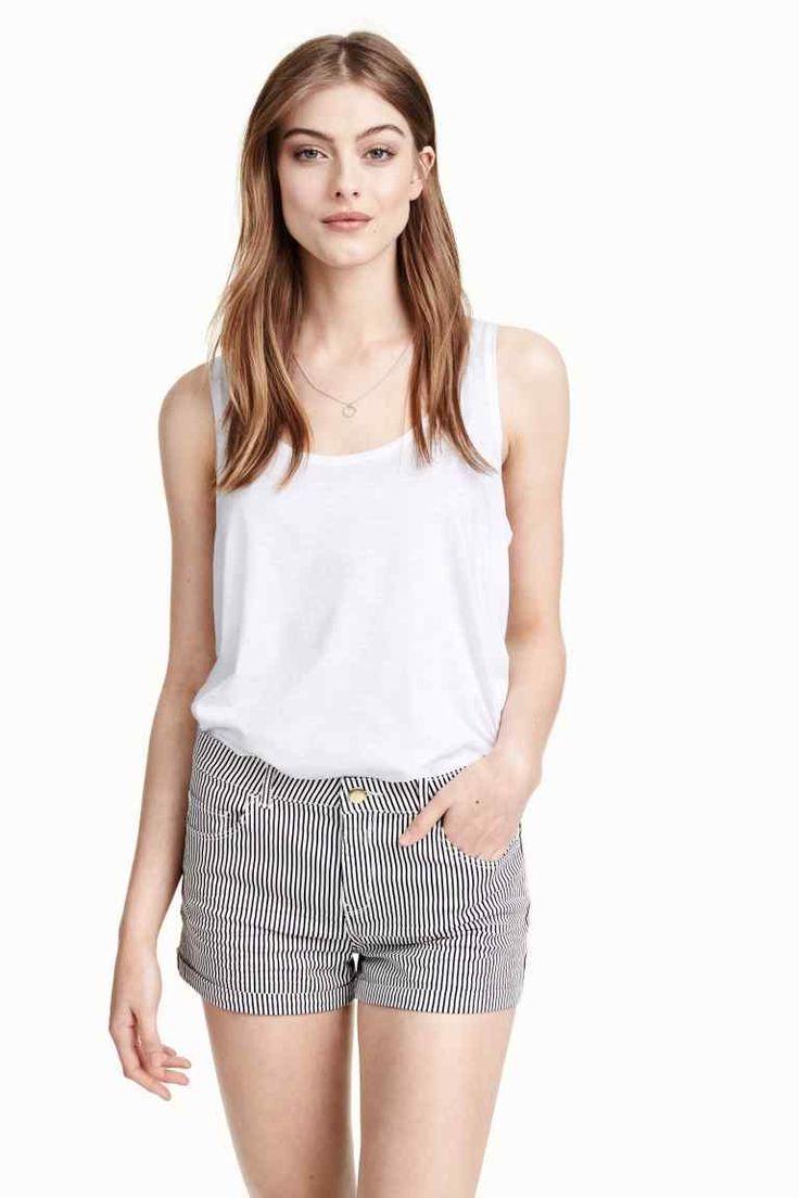 Pantaloni scurţi din twill | H&M