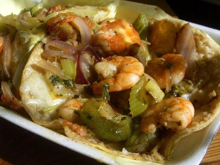 Para los amantes de los mariscos hay les comparto esta receta.... disfrutenla 2 lb de combinacion de mariscos 2 lb de camaron mediano 3...