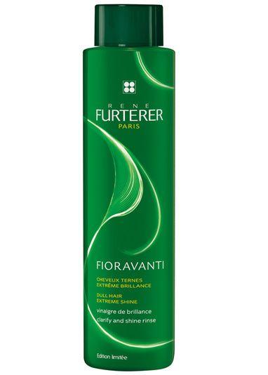 Le vinaigre de brillance René Furterer à l'effet gloss capillaire http://www.vogue.fr/beaute/buzz-du-jour/articles/cheveux-brillant-le-vinaigre-rene-furterer-a-l-effet-gloss-capillaire/24630