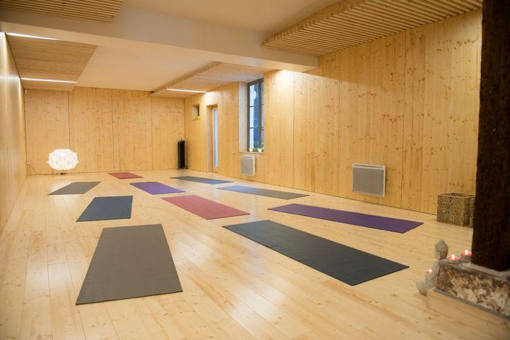 Faites une pause chez Make me yoga  https://www.zippypass.com/75/paris-11/studio-de-yoga-ou-pilates/make-me-yoga