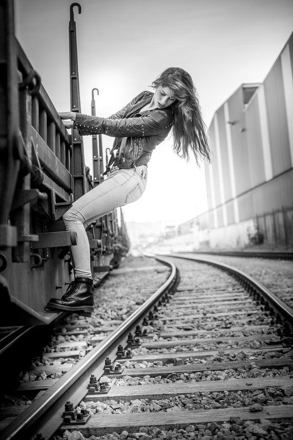 Runaway Train Editorials - 'Stop the train' Creates a Surge of Adrenaline (GALLERY)