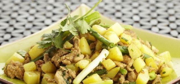 Aardappeltjes En Boontjes Uit De Wok Met Pikante Eitjes recept | Smulweb.nl