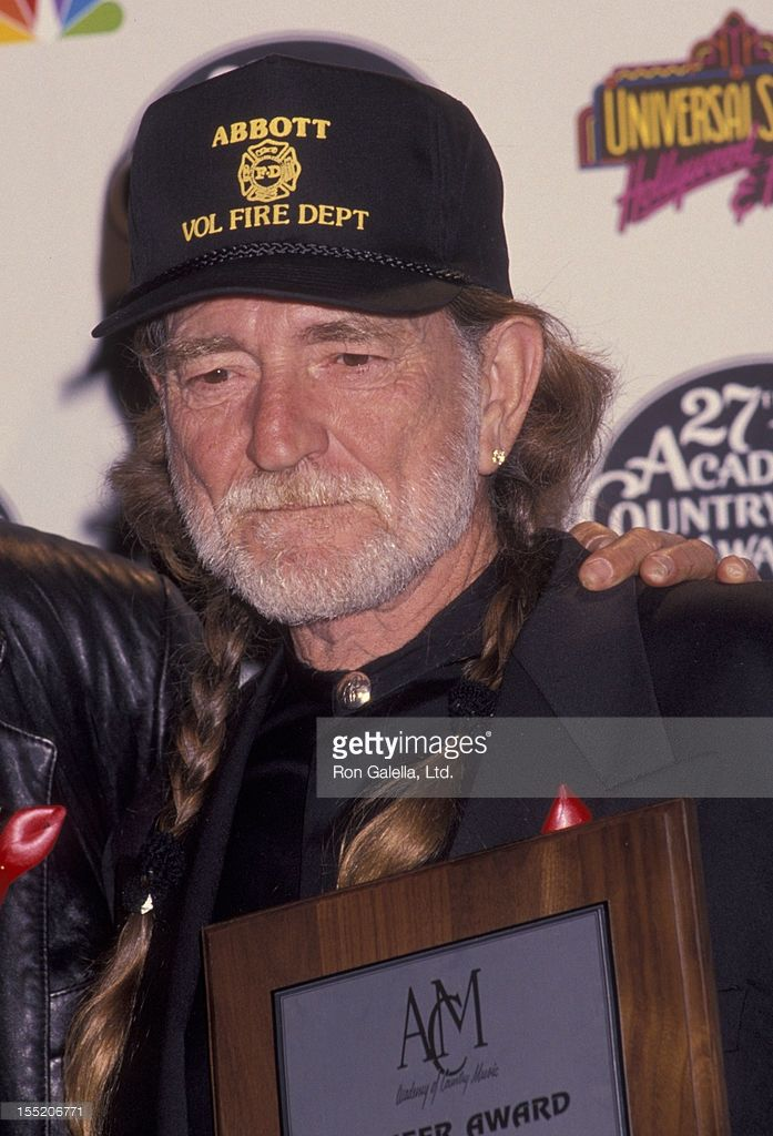 Musician Willie Nelson attends 27th Annual Academy of Country Music Awards on April 29, 1992 at the Shrine Auditorium in Los Angeles, California.