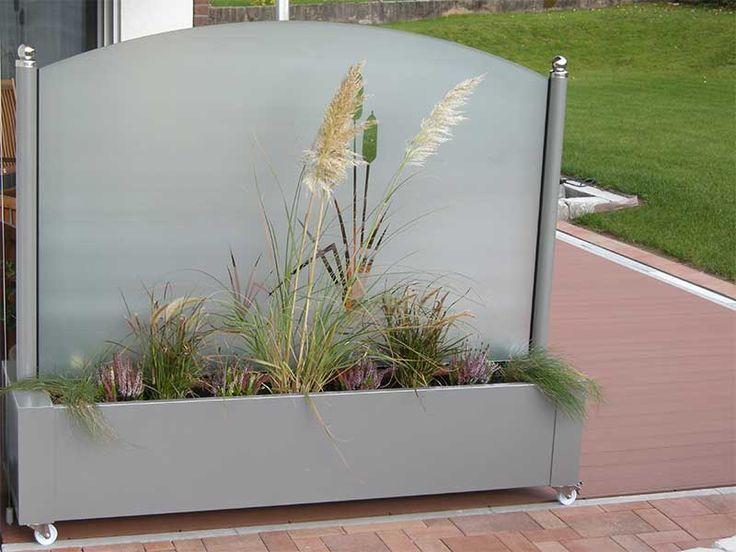 Glass windscreen for garden and terrace garden glass