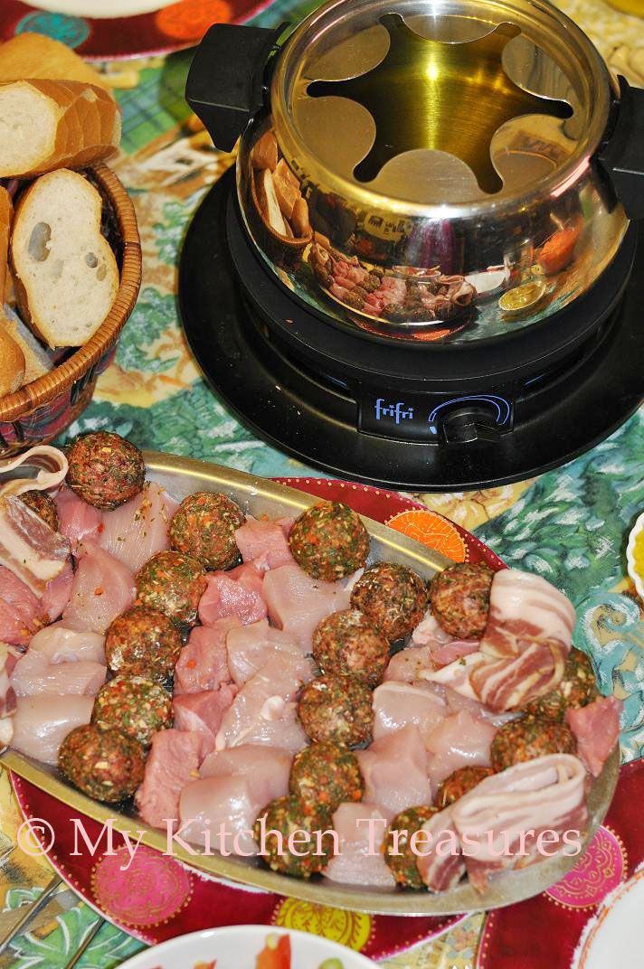 Fondue Bouguigninne, well I only knew about this after comming to Belgium. Mostly we make it when we invite family just to have a get toget...