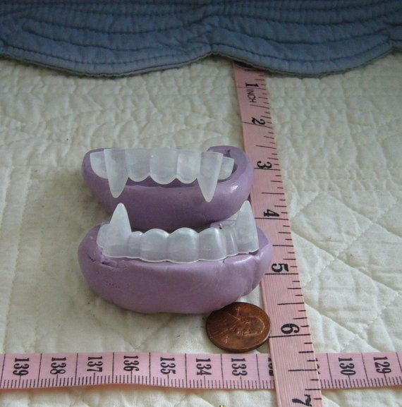 Vampire Teeth Fangs,2pcs, Food Safe Silicone Mold Cake Tool Fondant Gum paste Pastillage Chocolate Sugarcraft Candy Resin Plaster Clay DIY