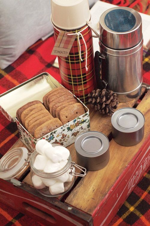 Make an indoor picnic for the cosiest night in. Simple, alternative valentines