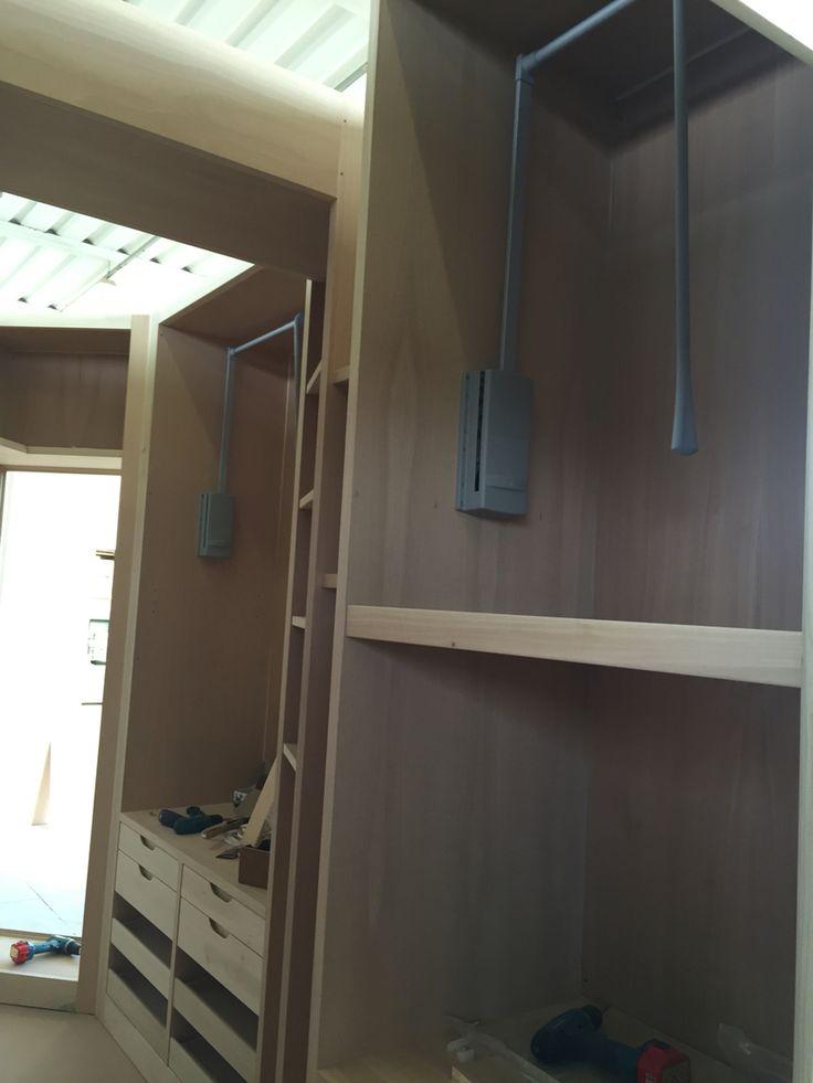 Cabina armadio grezza in lavorazione