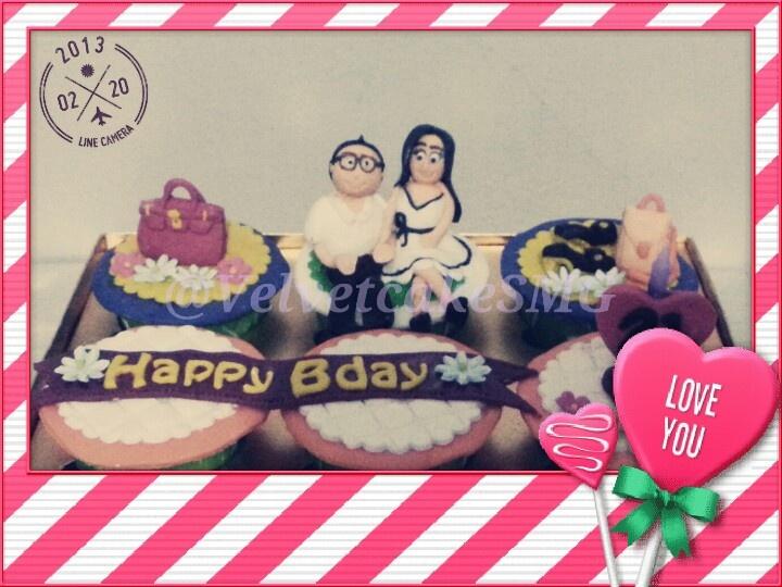 Fashionista bday cupcakes @velvetcakeSMG / www.semarangkitchen.com