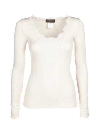 Laadukkaat Rosemunde-vaatteet löydät kätevästi stockmann.com-verkkokaupasta. Ihastu valikoimaan ja tilaa mieleisesi!