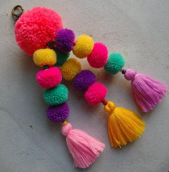 Hot Pink Pom Pom borla playa bolsa de accesorios por SiamHillTribes