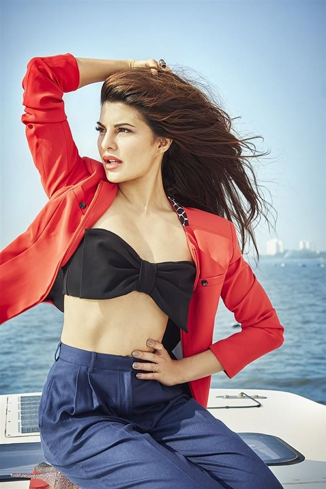 Jacqueline Fernandez Stills For Filmfare 2015 Photos