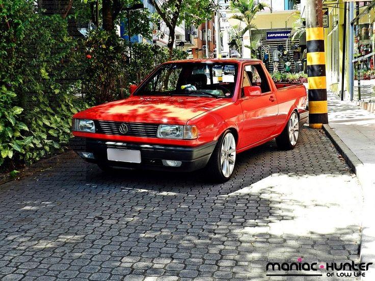 """Saveiro quadrada turbo rebaixada vermelha com suspensão fixa Mendel's, rodas Gol Power aro 17"""", pneus 195/40, kit pulsativo DNT   [SpecialCa..."""