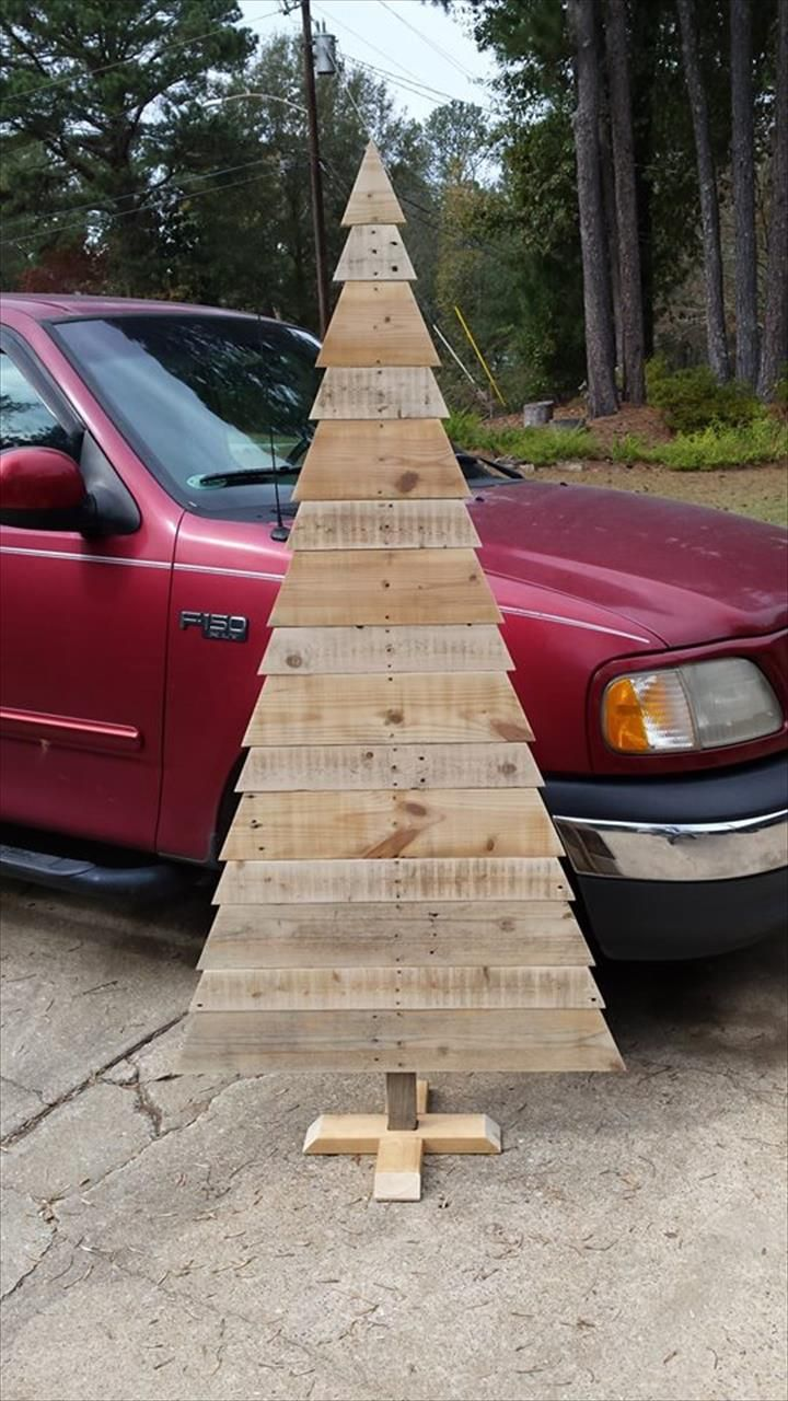 20 DIY Pallet Tree to Inspire Your Home   101 Pallet Ideas - Part 2