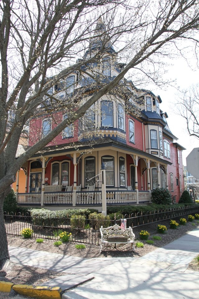 Gorgeous Victorian in Cape May NJ. Cape May is one of my favorite places and it has the most gorgeous old houses. I want one one day