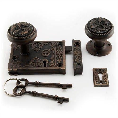 Ornamental Rim Lock Set with Knobs