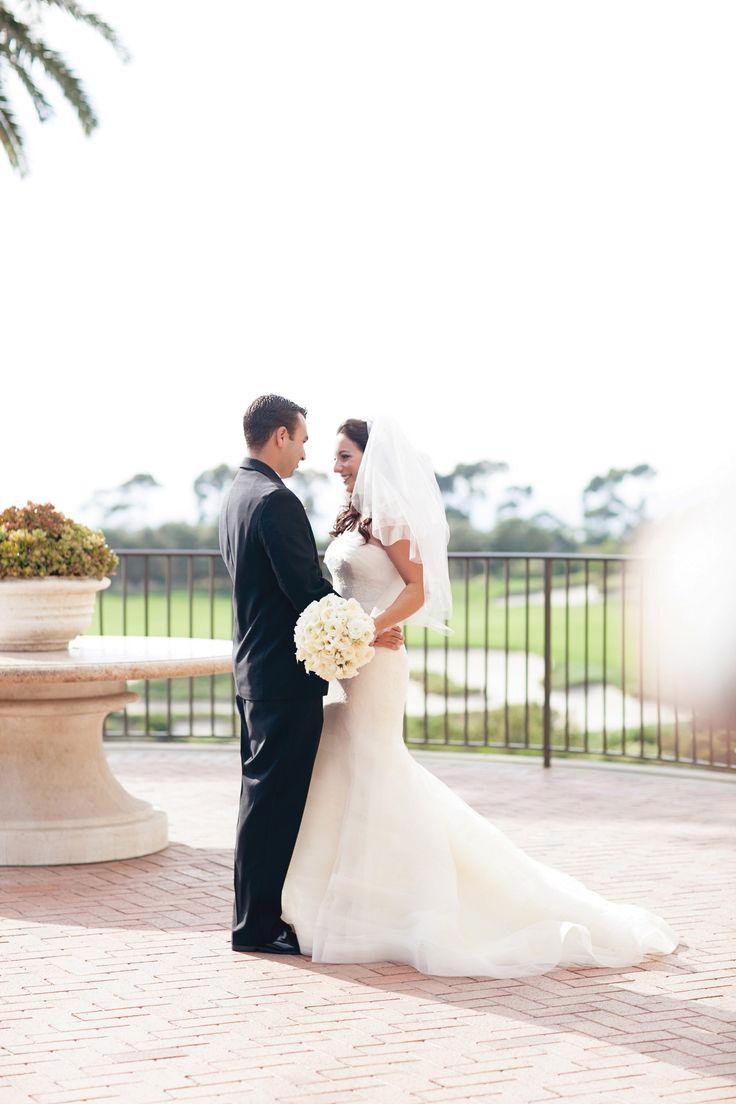 A Vivid Modern Wedding in Newport Beach, CA, Pelican Hill wedding, Pelican Hill bride, orange county wedding, luxury wedding, luxury ceremony, newport coast wedding, bridal bouquet, wedding dress