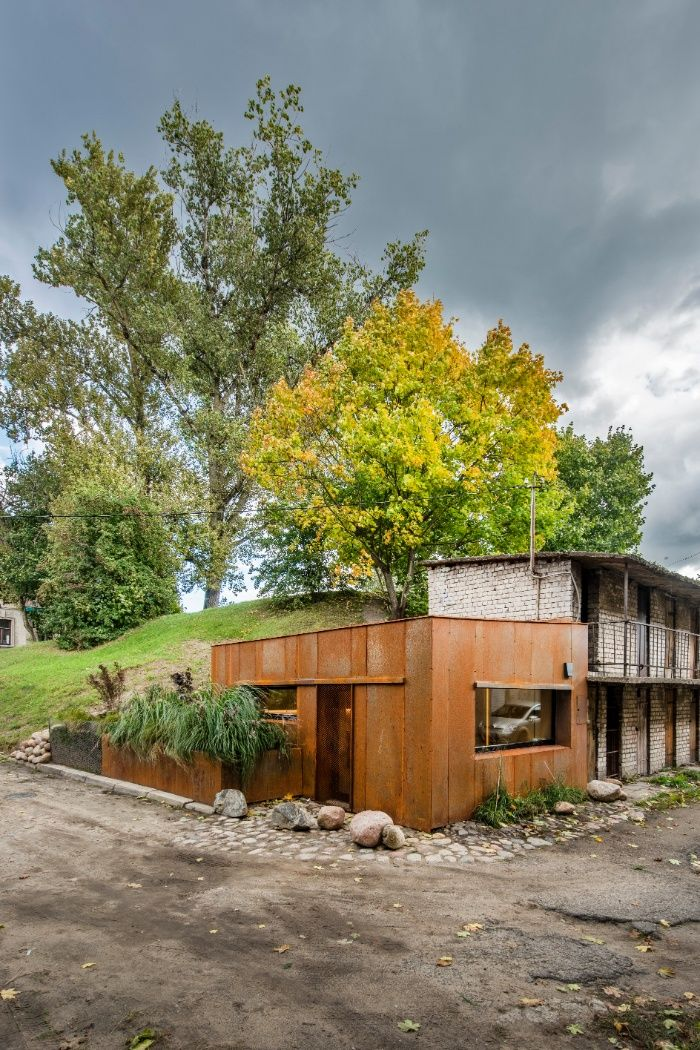 Dilapidated Garage Was Turned Into A Stunning 21 M2 Micro Home With Images Micro House Cabin Design Small House