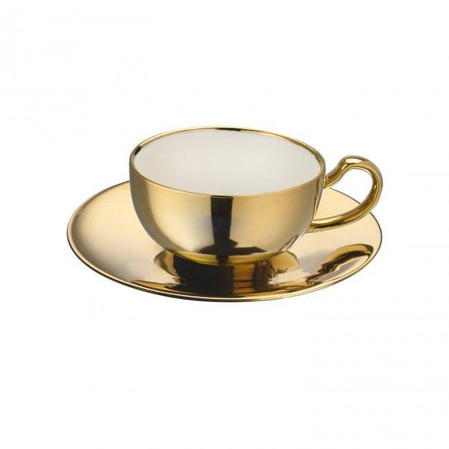 Queenie - Tea time