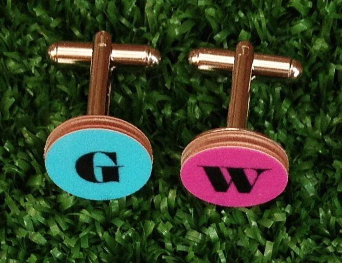 Manschettknapp bokstaven W