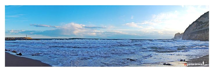 Fotografía Panorámica de Barcelona Castelldefels al atardecer: Port Ginesta  Port Ginesta es un pequeño #puerto deportivo situado a pocos kilómetros de #Barcelona. Tras él, un sendero lleva hasta esta íntima #playa normalmente poco transitada e ideal para pasar las tardes de verano viendo la puesta de sol. Una #fotografía #panoramica ideal para #decorar #decoracion #deco #viajes #ciudades #atardecer #sunset #spain #tupanoramica.com #beach #sun #summer