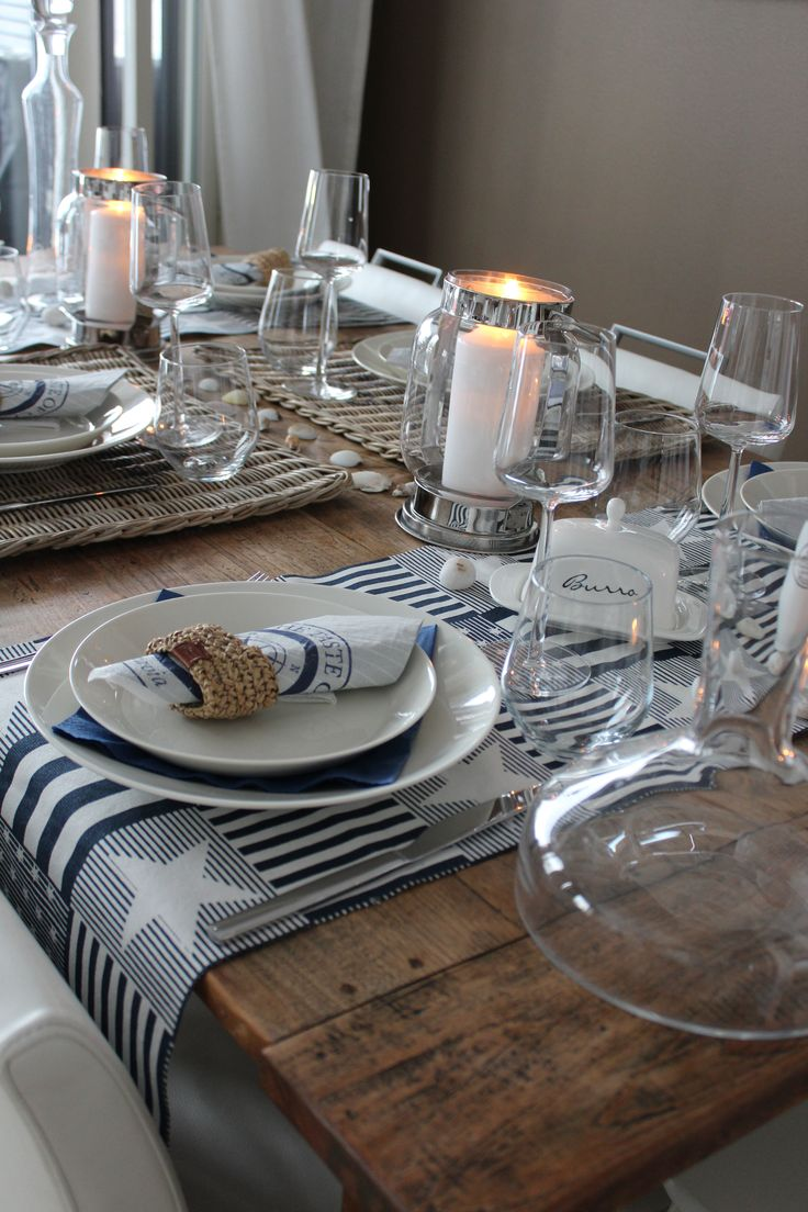 Nautical table setting, navyblue, stars, lantern, rattan, Lexington, Riviera Maison.