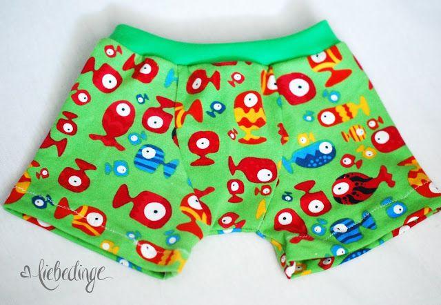 aus gegebenen anlass brauchten wir dringend ein paar mehr shorts für den kleinen!   da sich in meinem schrank jerseyreste geradeso stap...