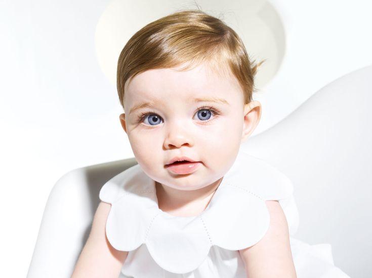 Le temps des fêtes de famille et mariages arrive... Les petites aussi auront leur robe blanche. Idéale pour un baptême de printemps ou d'été