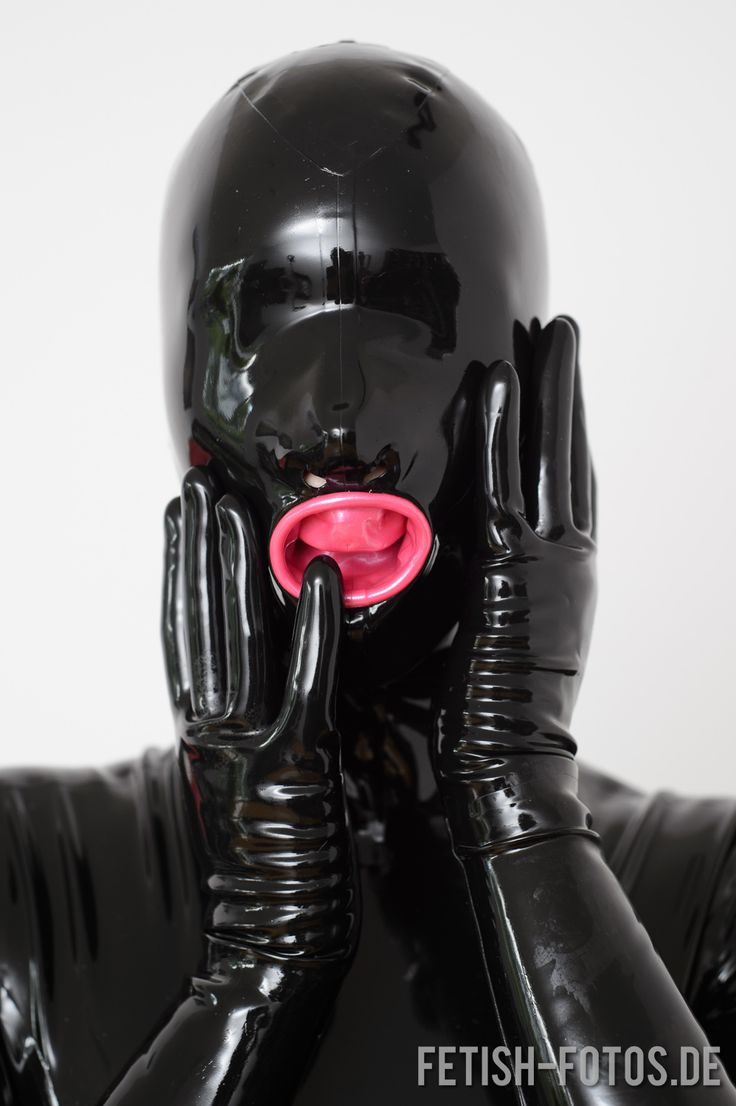 Beni Rebreather bondage