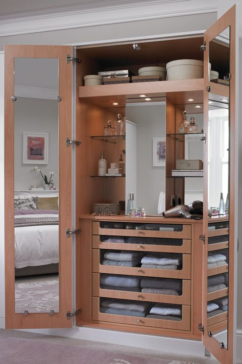 Bespoke Fitted Bedroom Wardrobe Interiors