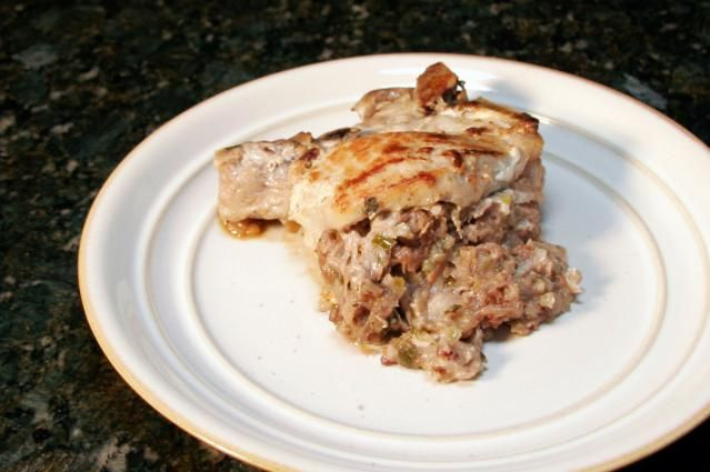 Apple Stuffed Pork Chops: Stuffed Pork Chops