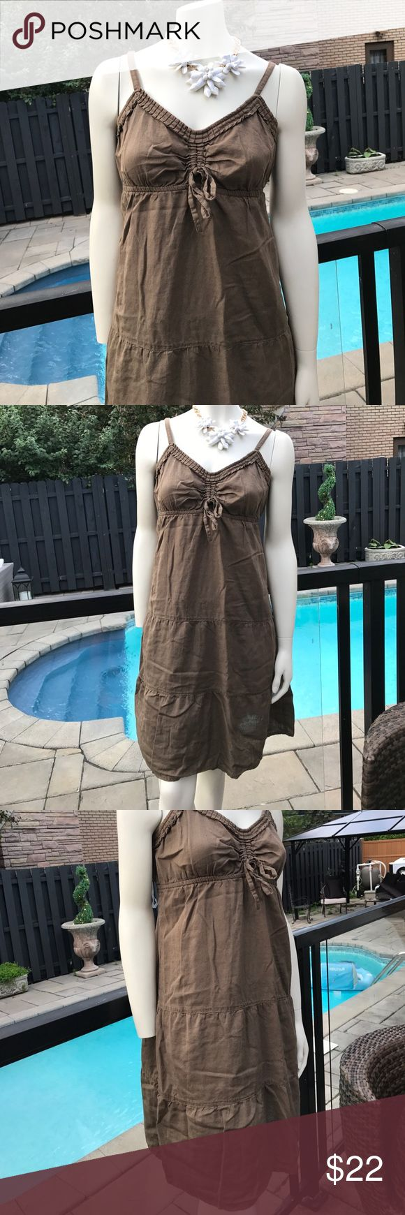 End of season sale. Lightweight linen dress Cute and comfortable for those hot summer days. The colour is khaki Reitmans Dresses Midi