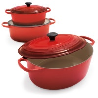 Le Creuset Round French Oven (pick your size!)