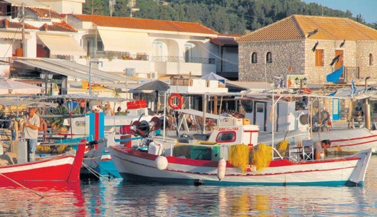 Sivota på det græske fastland ud for Korfu er et af årets få nye chartermål i Grækenland. Vi tager et nærmere kig.
